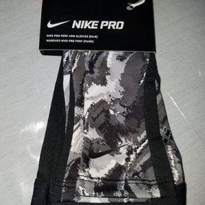 Nike pro perf arm sleeves